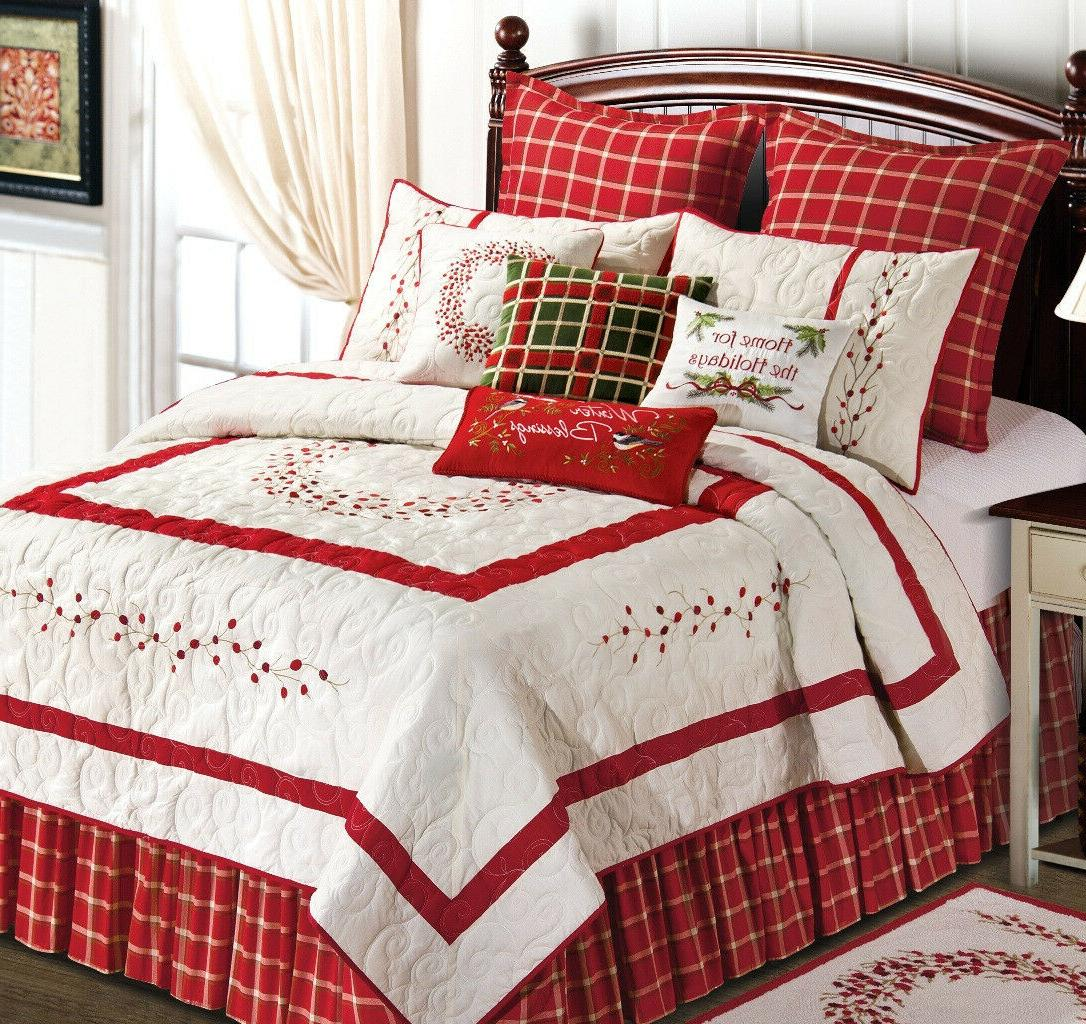 Berry Wreath Full/Queen Quilt by C & F