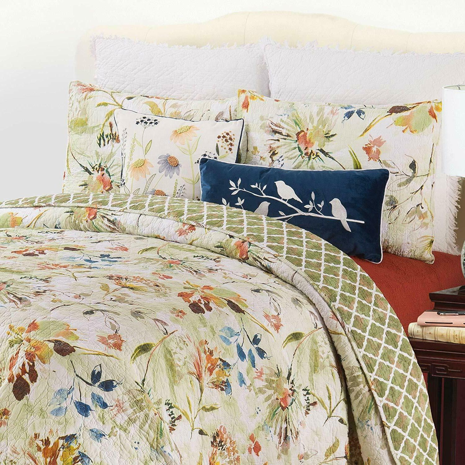 Watercolor 3 Pc Quilt Set-King + 2 Shams-Quilted Bedspread